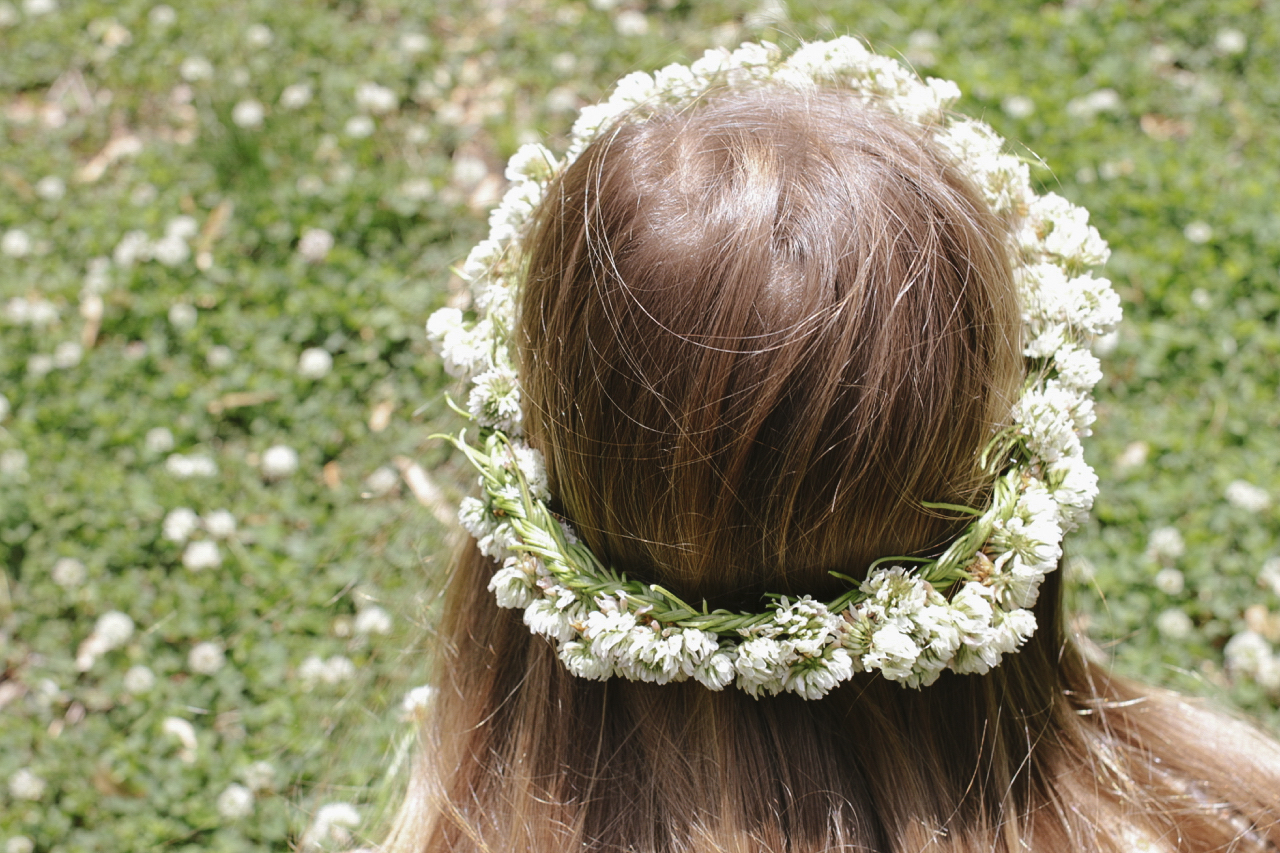How to braid a clover crown magnesium blue how to braid a clover crown izmirmasajfo